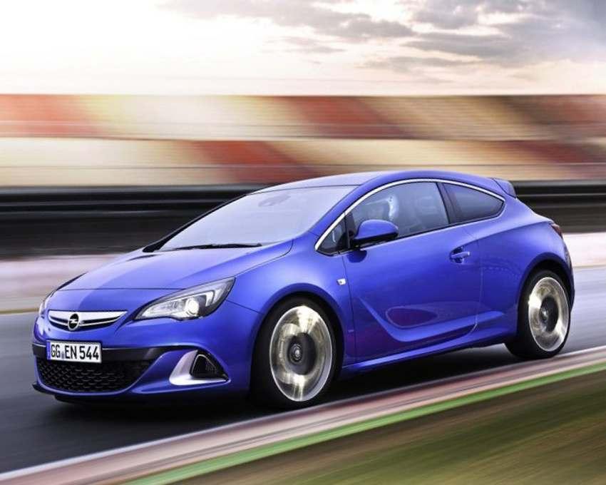 Фото сбоку Opel Astra OPC 2012 года