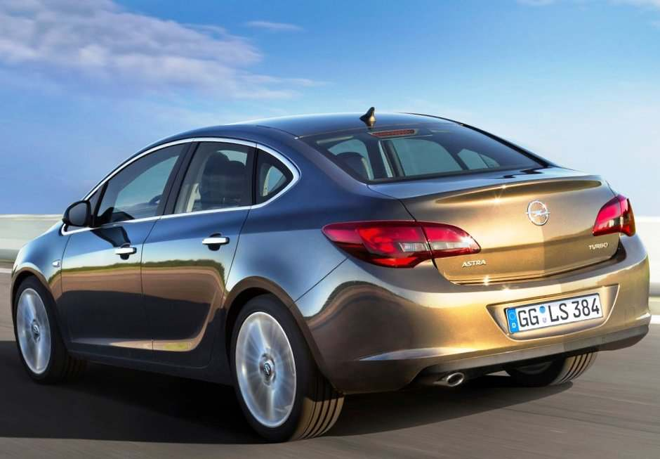 Opel Astra Sedan 2013 фото
