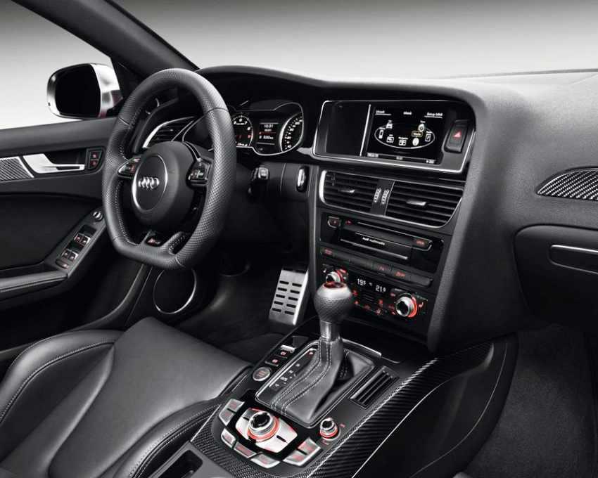 Салон Audi RS4 Avant 2012