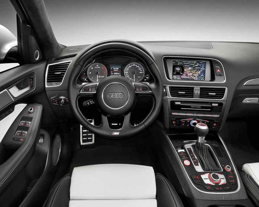 Салон Audi SQ5 TDI