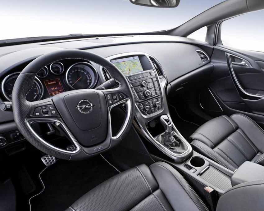 Салон Opel Astra OPC 2012