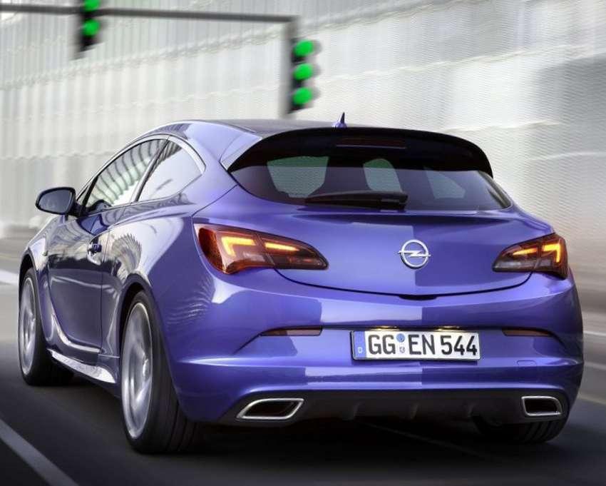 Задние фонари Opel Astra OPC 2012