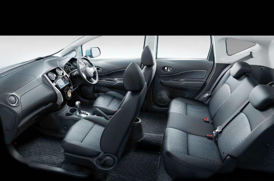 Интерьер Nissan Note 2013