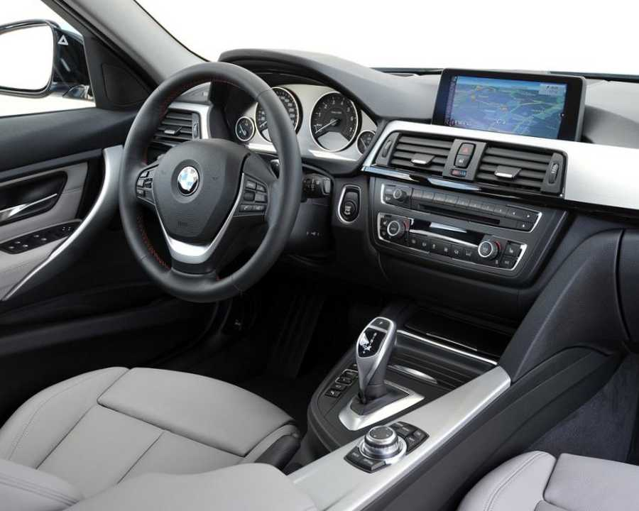 Салон BMW 3 ActiveHybrid 2013