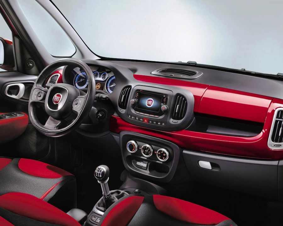 Салон Fiat 500L 2013