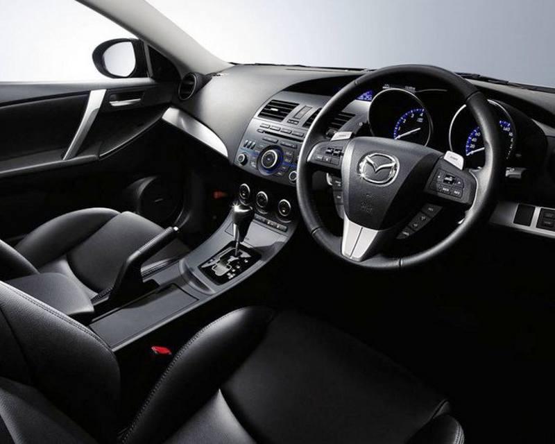 Салон Mazda 3 Axela 2013
