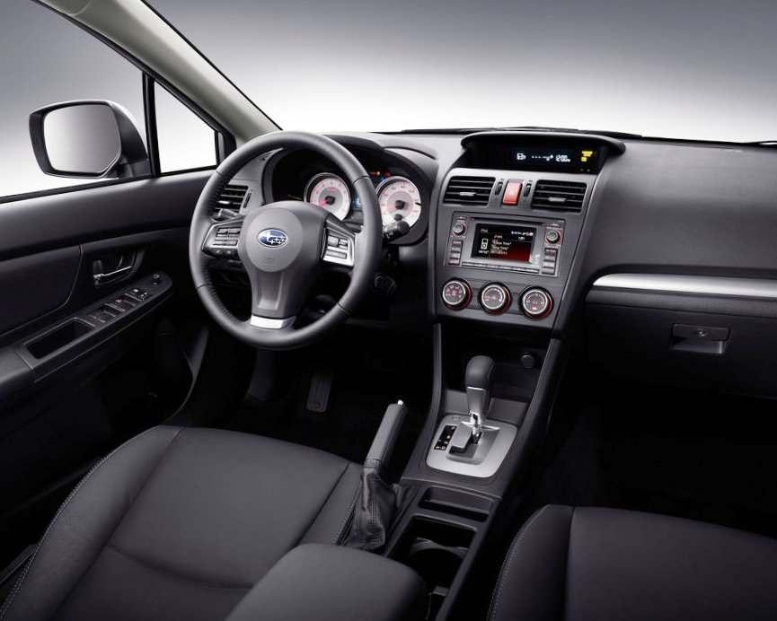 Салон Subaru Impreza 2012