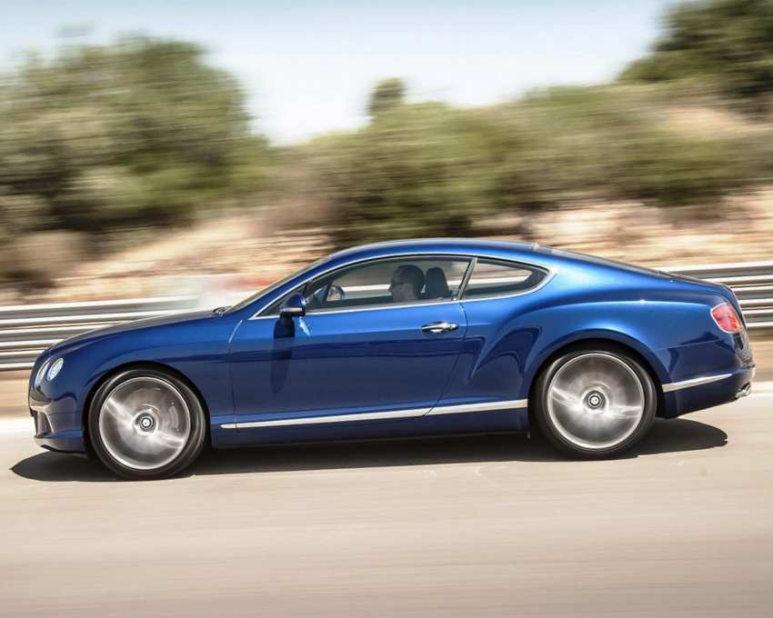 Фото Bentley Continental GT Speed сбоку