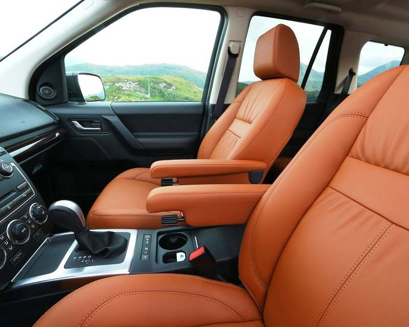 Интерьер Land Rover Freelander 2 2013