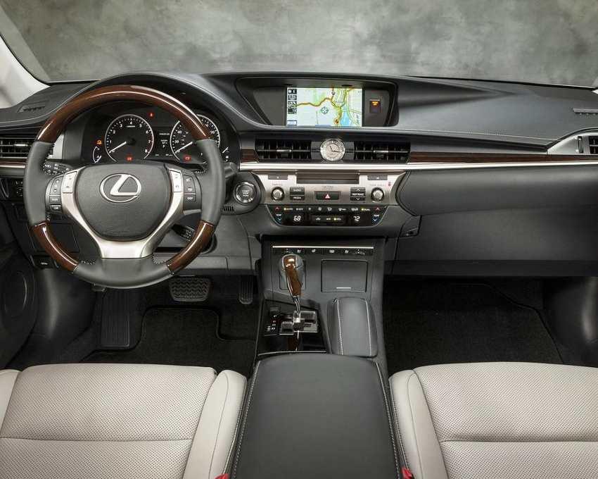Салон Lexus ES 2013
