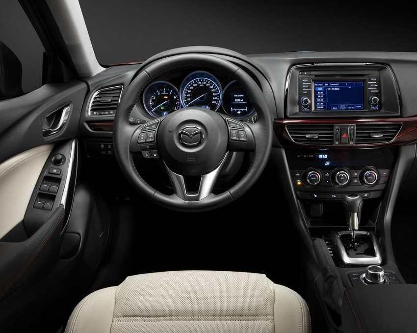 Салон Mazda 6 2013