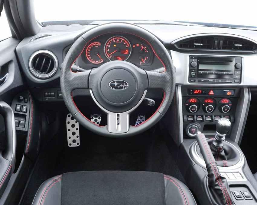 Салон Subaru BRZ