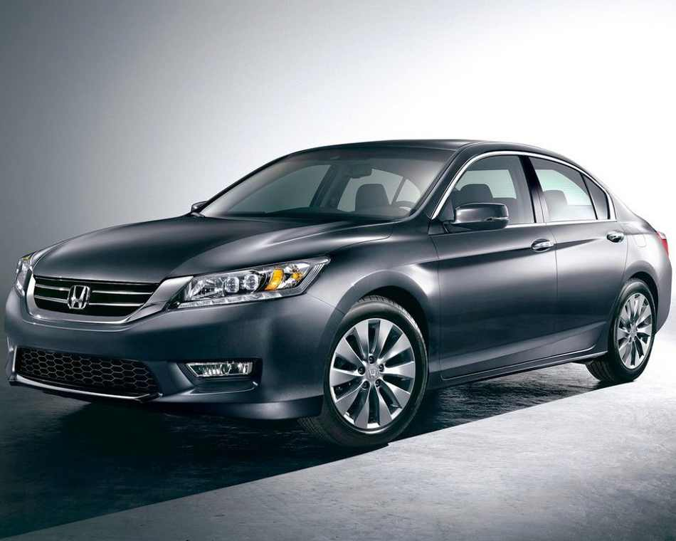 Седан Honda Accord 2013