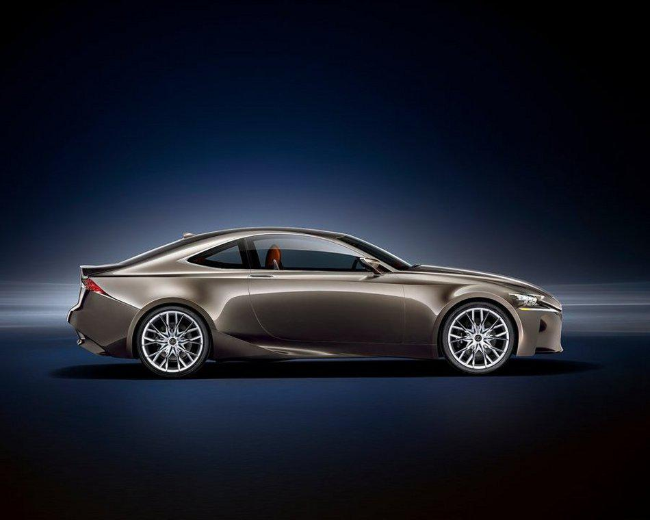 Фото купе Lexus LF-CC сбоку
