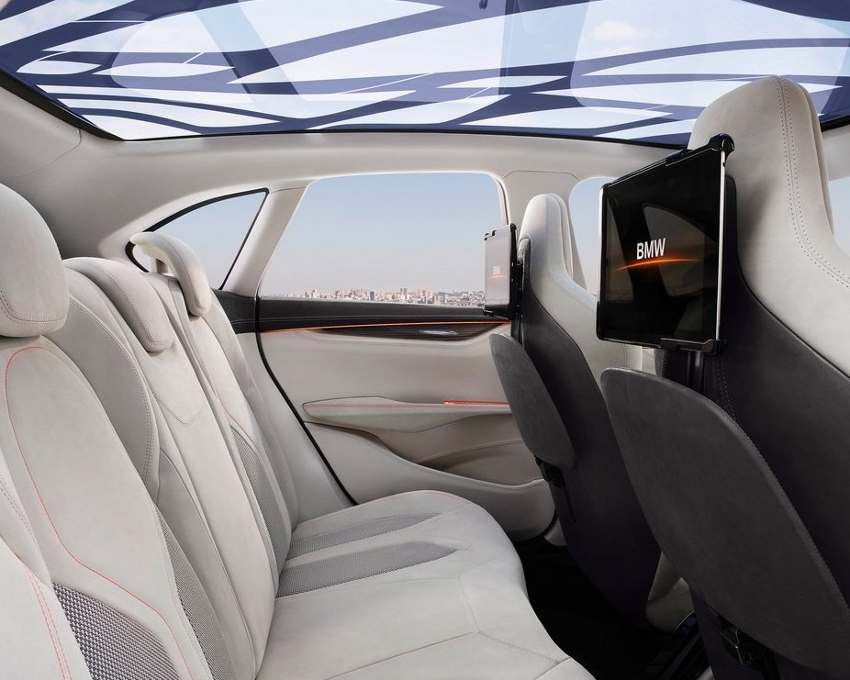 Интерьер концепта BMW Active Tourer 2013