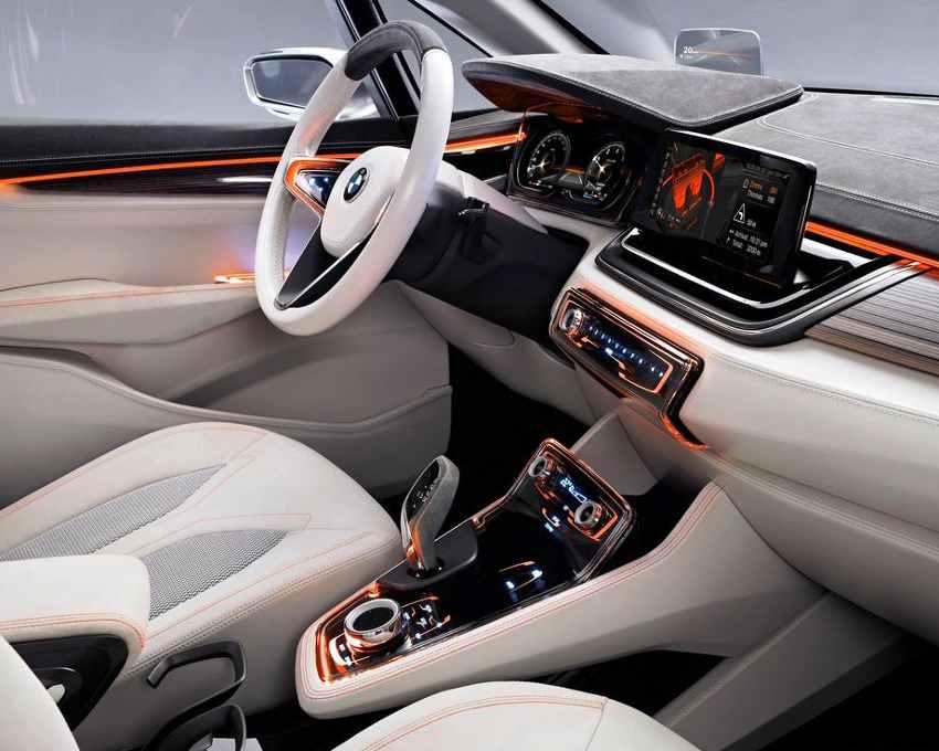 Салон BMW Active Tourer Concept