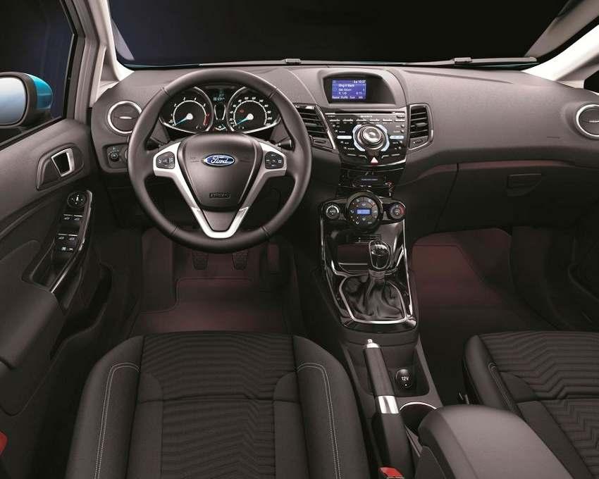 Салон Ford Fiesta 2015