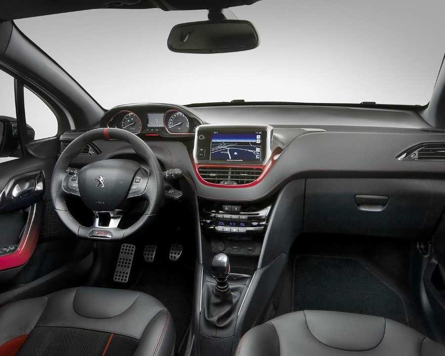 Салон Peugeot 208 GTi
