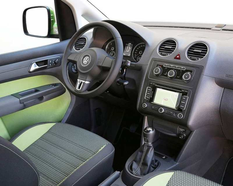 Салон Volkswagen Caddy Cross 2013