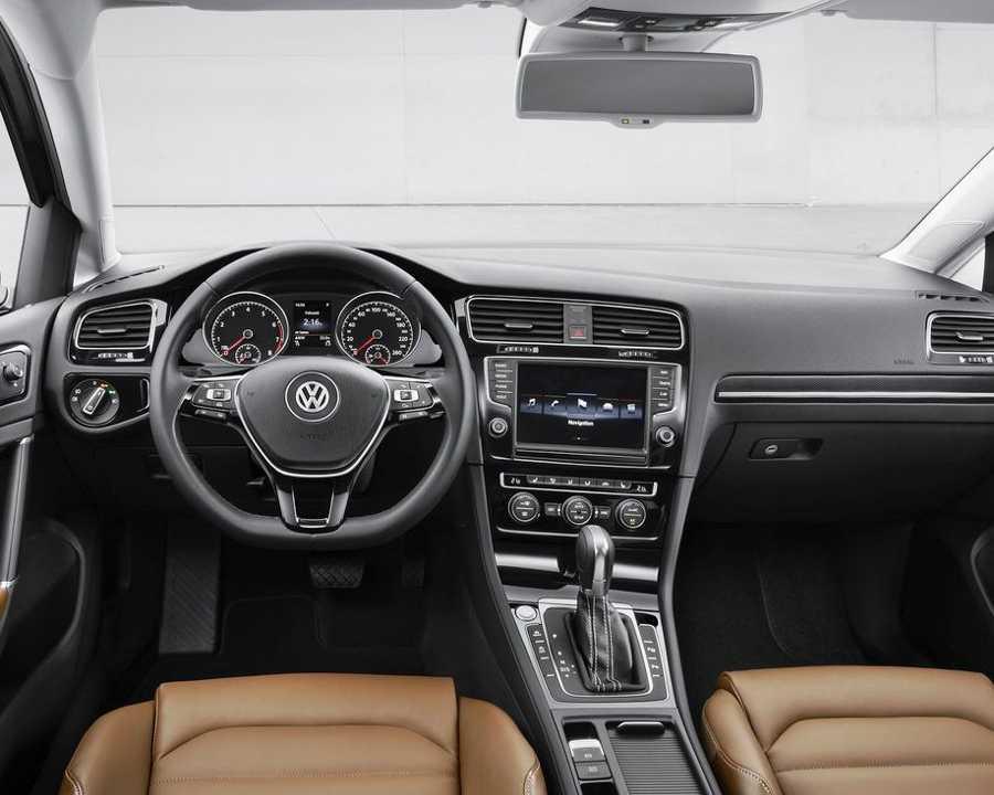 Салон Volkswagen Golf 7