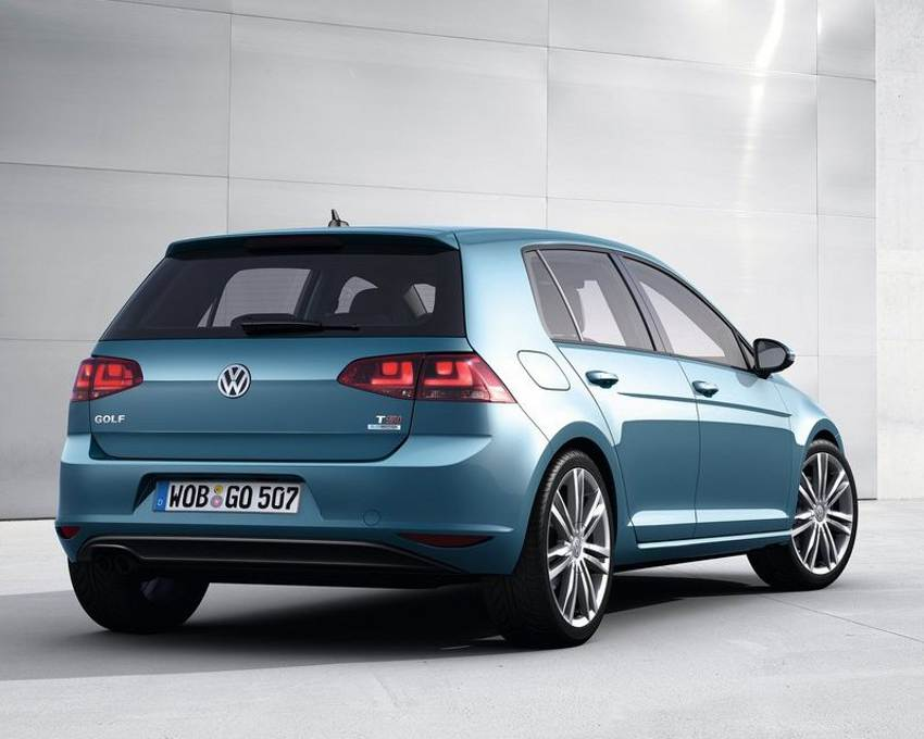 Задний бампер Volkswagen Golf 7 2013