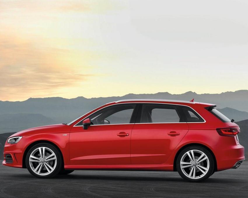 фото Audi A3 Sportback 2013 сбоку