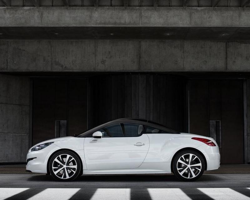 фото Peugeot RCZ 2013 сбоку