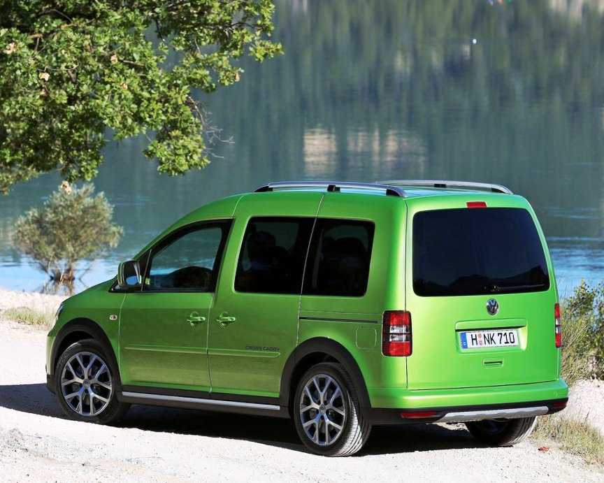 фото VW Caddy Cross 2013 сбоку