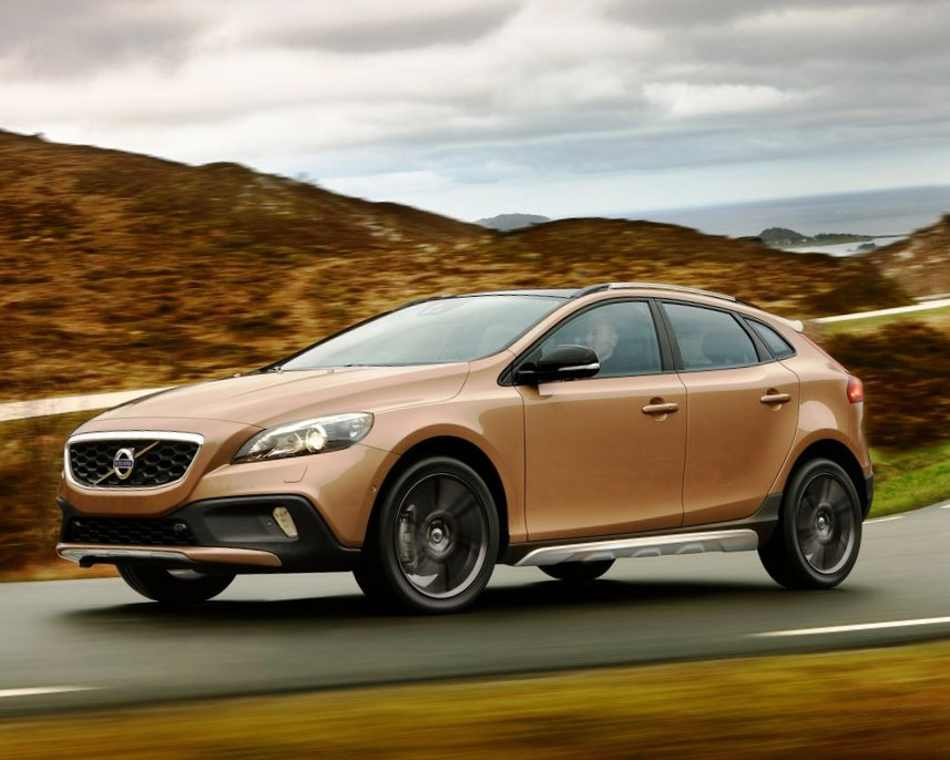 фото Volvo V40 Cross Country 2013 сбоку