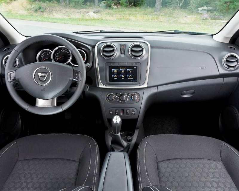 салон Renault Logan 2013 года