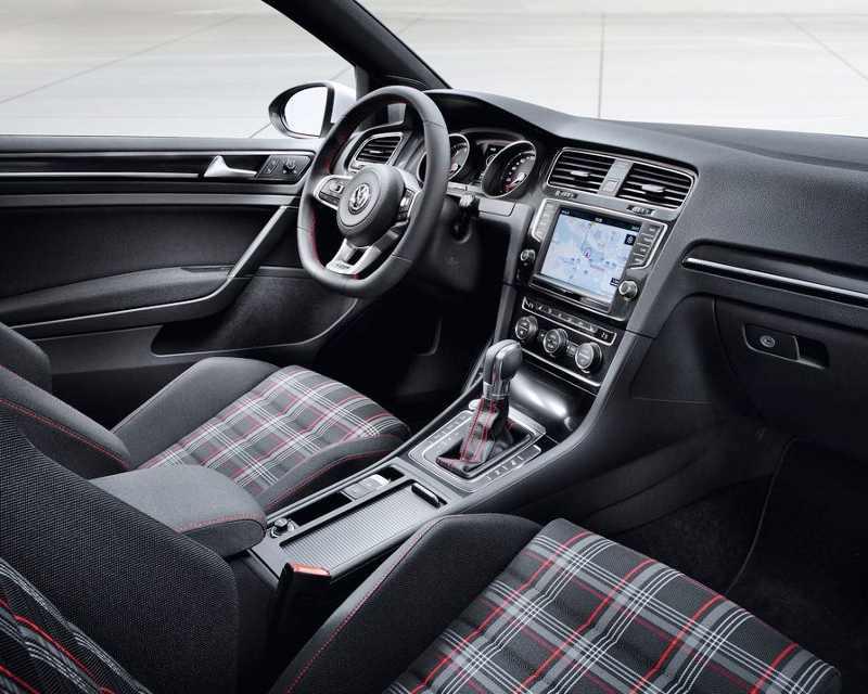 салон Volkswagen Golf 7 GTI