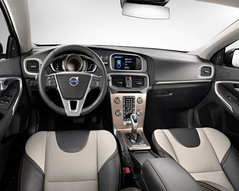 салон Volvo V40 Cross Country 2013