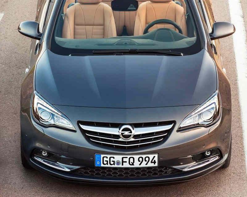 кабриолет Opel Cascada 2013 года