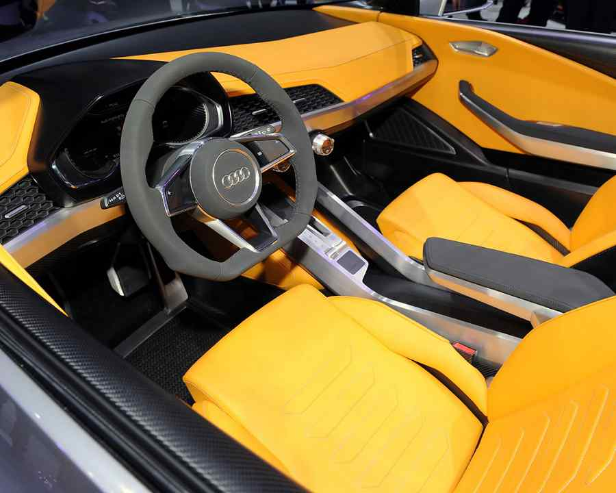 салон Audi Crosslane Coupe 2012