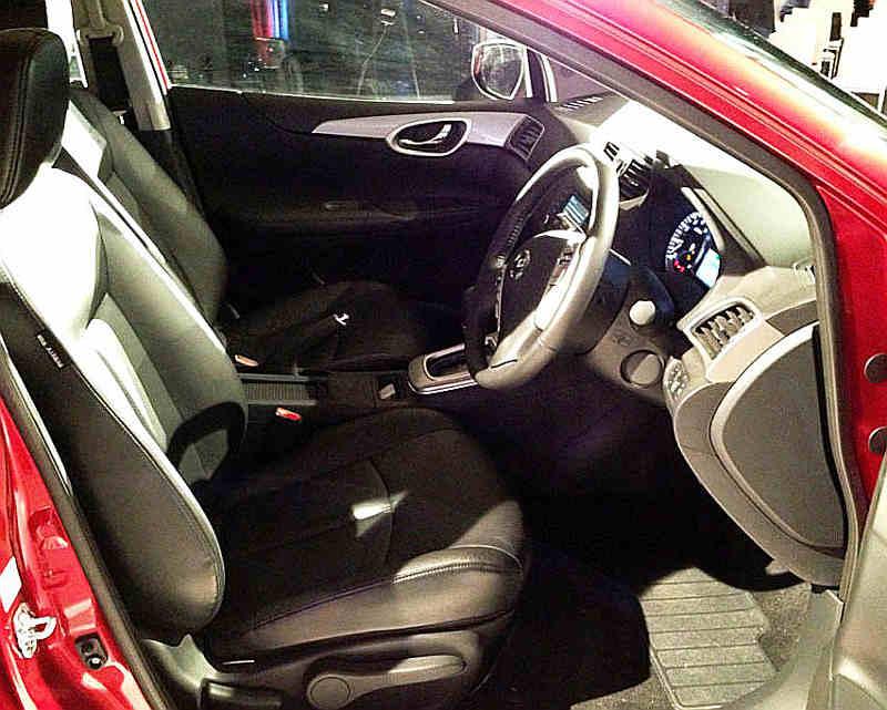 салон Nissan Tiida 2013