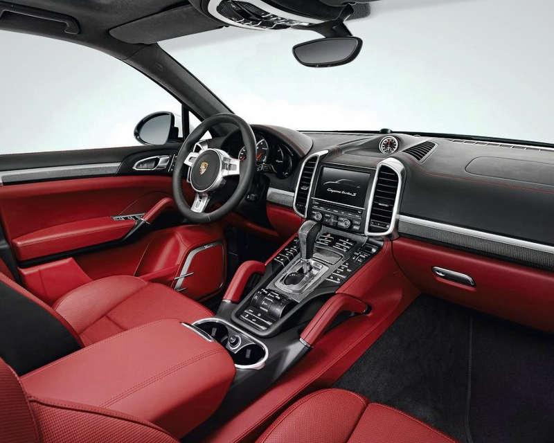 салон Porsche Cayenne Turbo S 2013