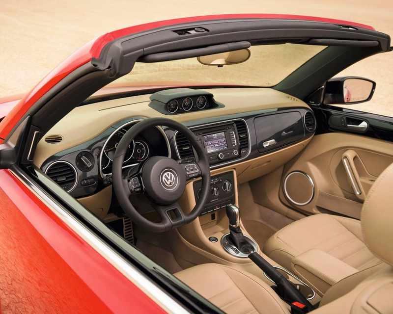 салон Volkswagen Beetle Convertible 2013