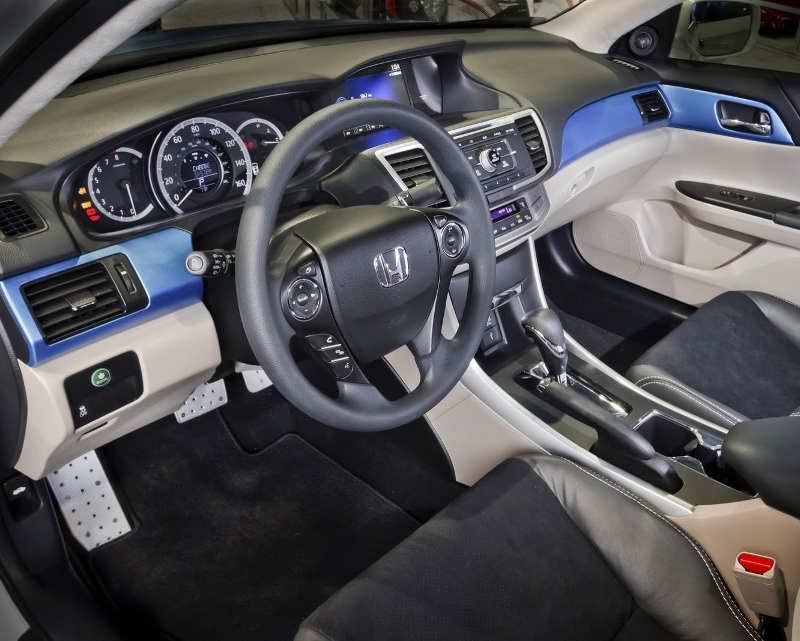 салон седана Honda Accord 2013 от DSO Eyewear