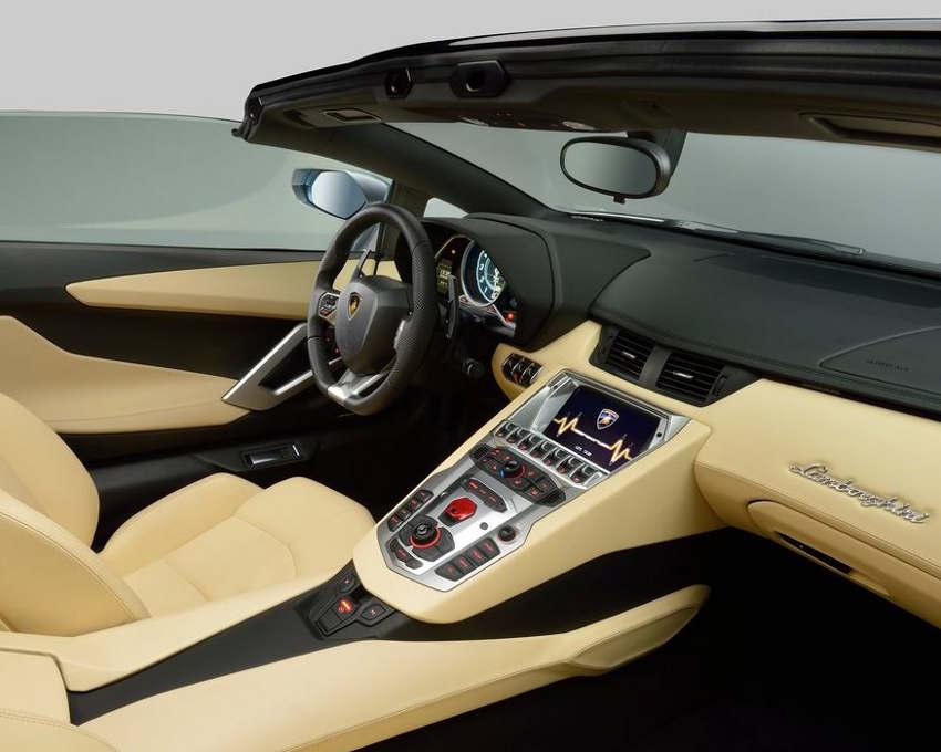 Салон Lamborghini Aventador LP700-4 Roadster 2014