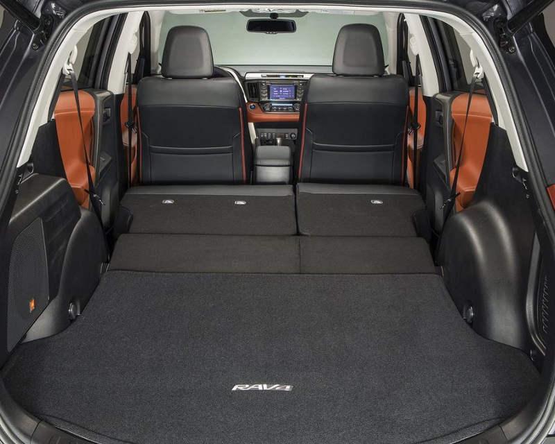 Складывающиеся сидения Toyota RAV4 2013