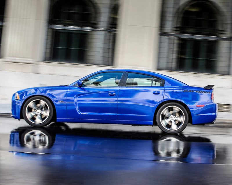 фото Dodge Charger Daytona 2013 сбоку
