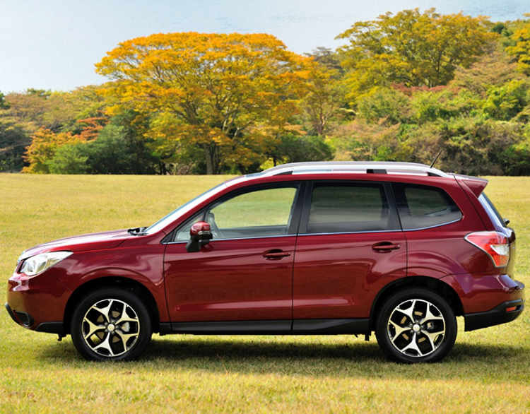фото Subaru Forester 2014 сбоку