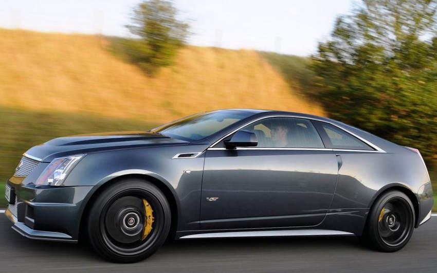 фото купе Cadillac CTS-V 2012 сбоку