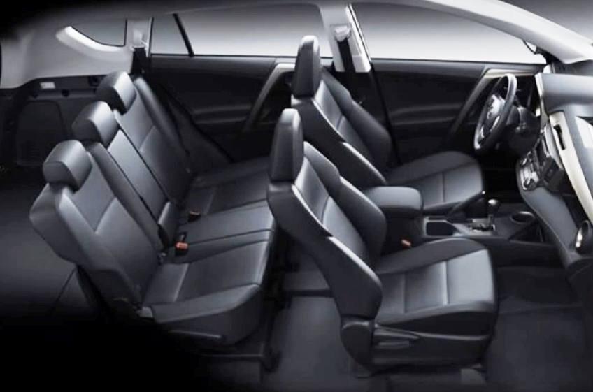 интерьер Toyota RAV4 2013
