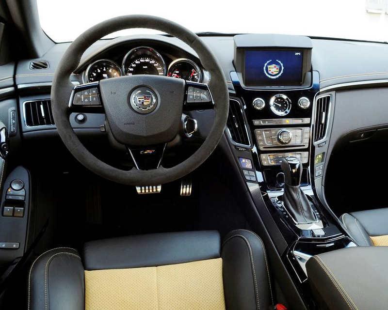 салон Cadillac CTS-V 2012