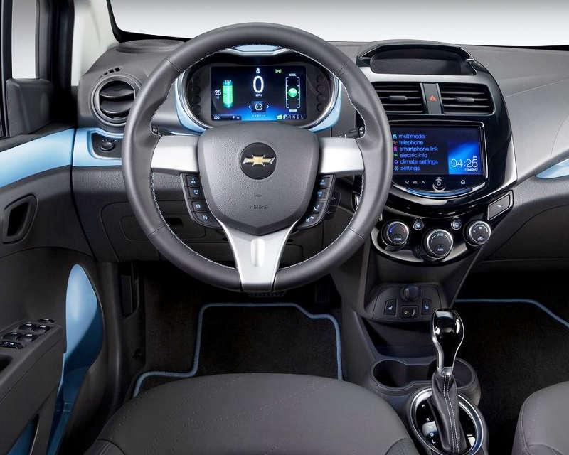 салон Chevrolet Spark EV 2014