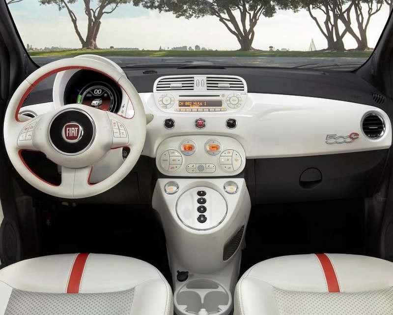 салон Fiat 500e 2014
