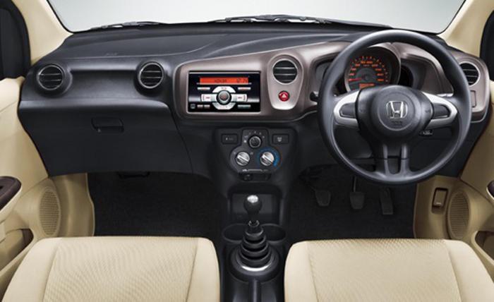 салон Honda Brio Amaze 2013