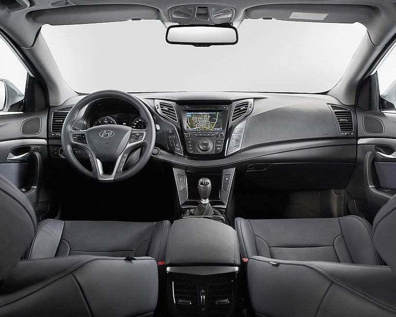 салон Hyundai i40 Универсал 2012 года