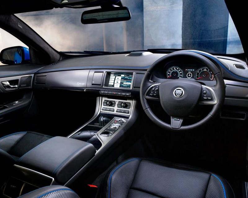 салон Jaguar XFR-S 2014 года